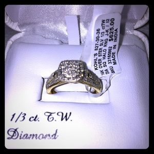 Halo 1/3 ctTW Diamond Ring